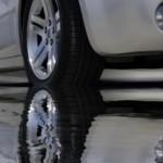 amortyzatory tylne samochodu